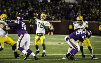 Aaron-Rodgers-lading-the-Packers-to-victory-against-the-Vikings-720x450